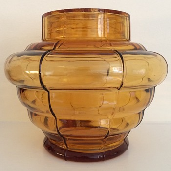 Czecoslov marked Amber glass vase with frog