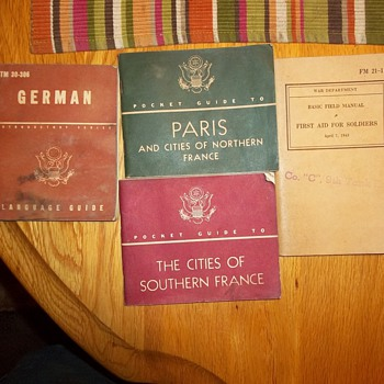 WWII POCKET GUIDES - Military and Wartime