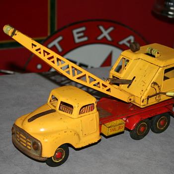 Marusan tin toy truck crane - Toys