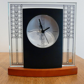 BULOVA FRANK LLOYD WRIGHT CLOCK - Clocks