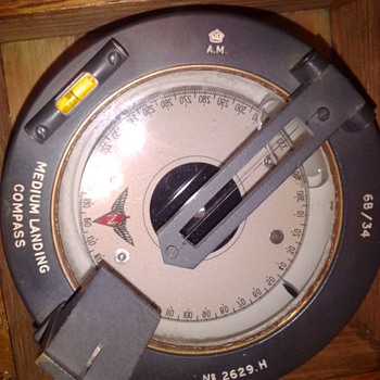 Medium Landing Compass I need info. on this item. In original box and Please educate me - Military and Wartime