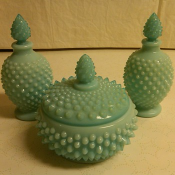 STUNNING FENTON TURQUOISE PASTEL DRESSER/VANITY SET