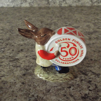 Royal Doulton Bunnykins Oomph Band drummer figurine