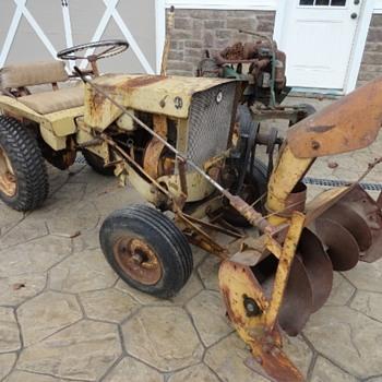 Allis Chalmers B-1 Garden Tractor - Tractors
