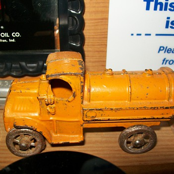 Cast iron Mack tankers - Model Cars