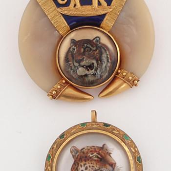 Cat intagli + a bumblebee - Fine Jewelry