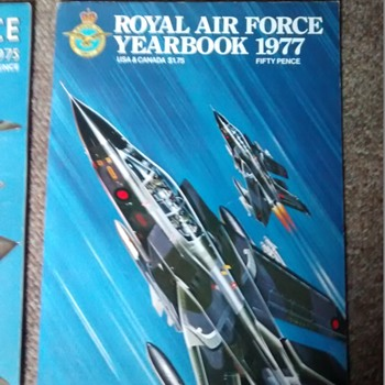 Royal Air Force Year books including the Diamond Jubilee the RAF, year 78, 76. 77 and 75 - Military and Wartime