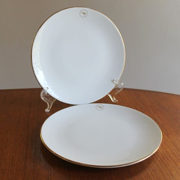 Wedgwood for QANTAS Bread and Butter Plates - Advertising