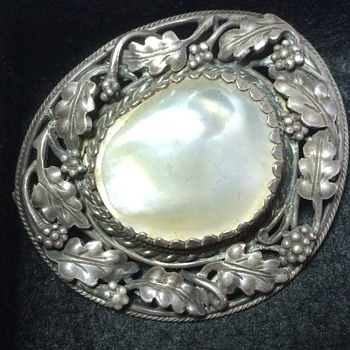 Arts & Crafts silver blister pearl brooch. - Fine Jewelry