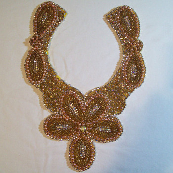 VINTAGE LARGE COLLAR BEADS / RHINESTONES CLOTH BIB NECKLACE 1940s or 50s ? - Costume Jewelry