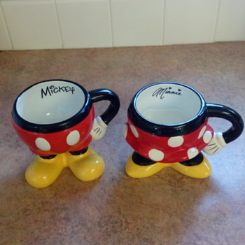 Disney Mickey & Minnie Mugs - Advertising
