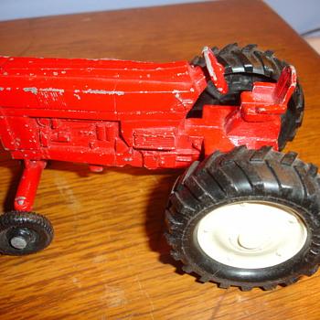 ERTL DIE CAST TRACTOR - Tractors