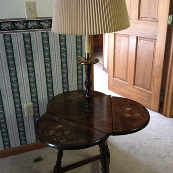 3 drop leaf end table with lamp