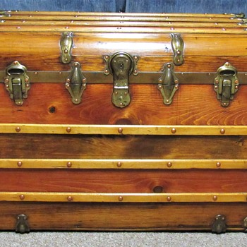 Water Fall or Monitor style trunk ? - Furniture