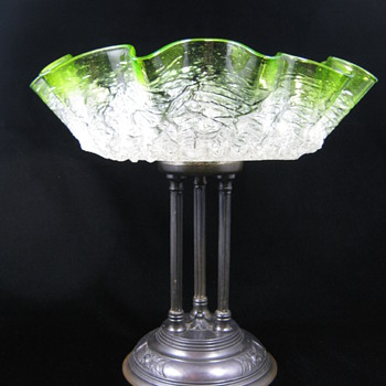 Kralik Green and White Crackle / Frit Glass Tazza ca. 1900 - 1920 - Art Glass