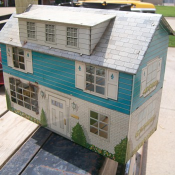 60's Doll Houses - Dolls