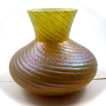 Kralik Ribbed Twisted, ca. 1900 - Art Glass