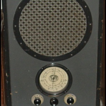 RCA AVR-5 and AVR-1 - Radios