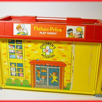 1976 FISHER PRICE - Play Family HOUSE