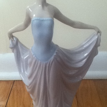 "Lladro ""Dancer"" Figurine - China and Dinnerware"
