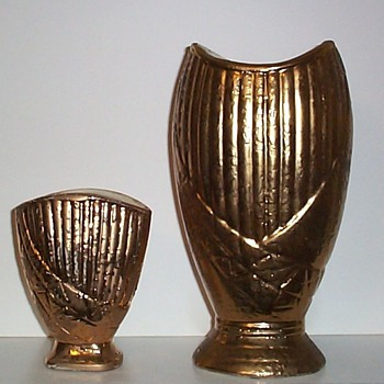 SAVOY CHINA - TWO SIZES III - Art Pottery