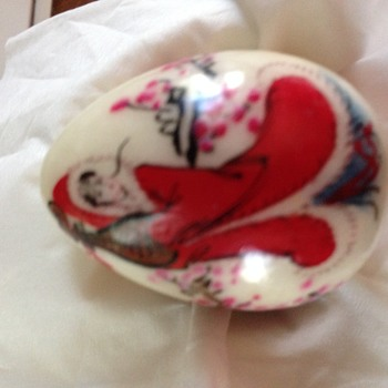 Small heavy egg, japanese hand painted - Asian