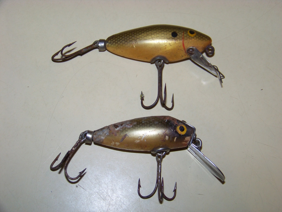 Vintage fishing lure collectors weekly for Fishing lure collection
