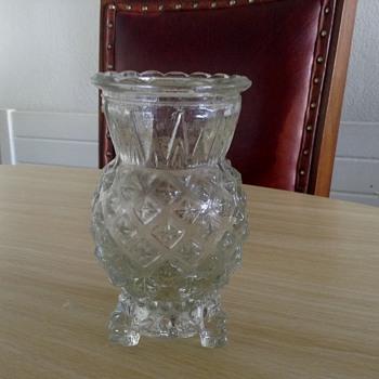 3 legged Little vase