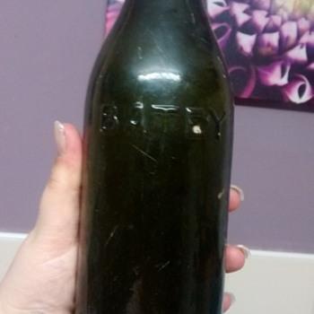 BATEY & CO LTD LONDON MN 18 - Bottles