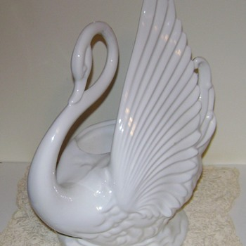 TV Swan Lamp Planter