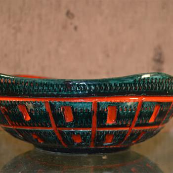 Mid Mod Italian Ceramic Bowl - Bitossi? - Mid-Century Modern