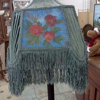 Lovely Vintage Floor Lamp with Beautiful Shade