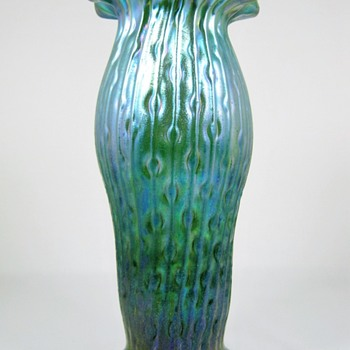 "Kralik ""Sea Urchin"" vase ca. 1900-05 - Art Glass"