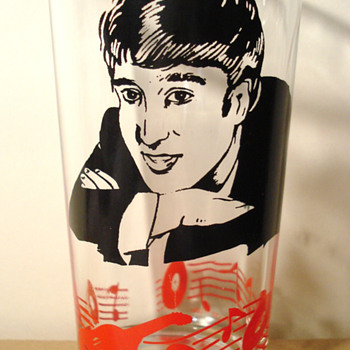 John Lennon glass...1964... - Music