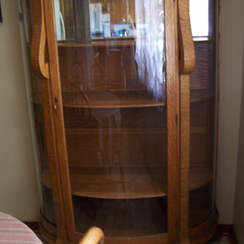 Curved glass china hutch - Furniture