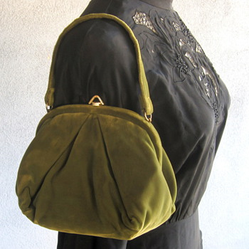 "1940's Olive Green Velvet Handbag ""IDEAL"" - Accessories"