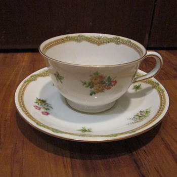 Occupied Japan Vintage tea cup and saucer - China and Dinnerware