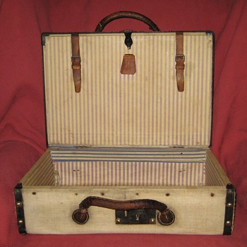 Antique Canvas Covered Suitcase Interior