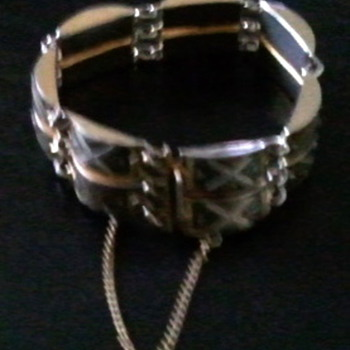 Bracelet ?