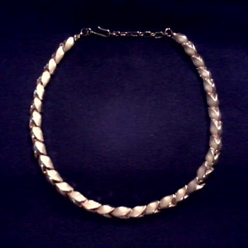 "Trifari Gold Tone ""Trifanium"" Leaf Choker/Circa 1950's -60's - Costume Jewelry"