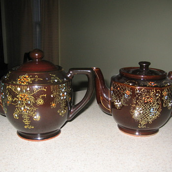 VINTAGE JAPAN TEAPOTS - Kitchen