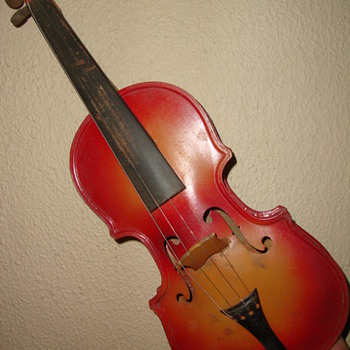 1920s ?? TIN TOY VIOLIN FROM CZECHO-SLOVAKIA
