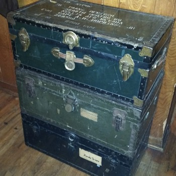 pre ww2, ww2, korean, and veitnam family trunks - Military and Wartime