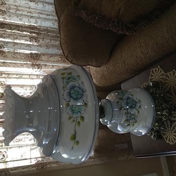 My new vintage lamp...manufacturer?