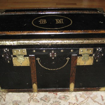 Late 19th Century French Saingermier Flat Top Trunk