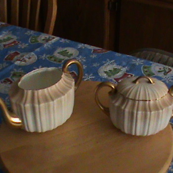 Royal Daulton Teapot &amp; Creamer