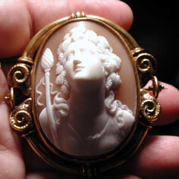 Rarest cameo of Bacchus signed by Pierret famous goldsmith