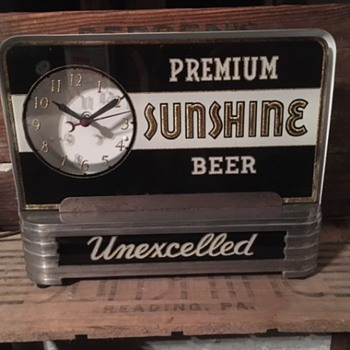 Premium Sunshine Beer Clock - Breweriana