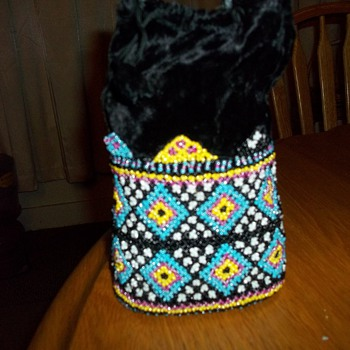 BEADED DRAWSTRING BAG - Bags