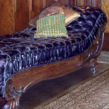Victorian Fainting Couch - Furniture